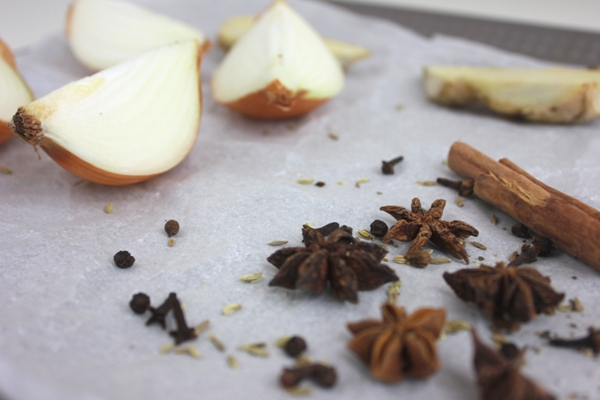 roast-onions-ginger-spices