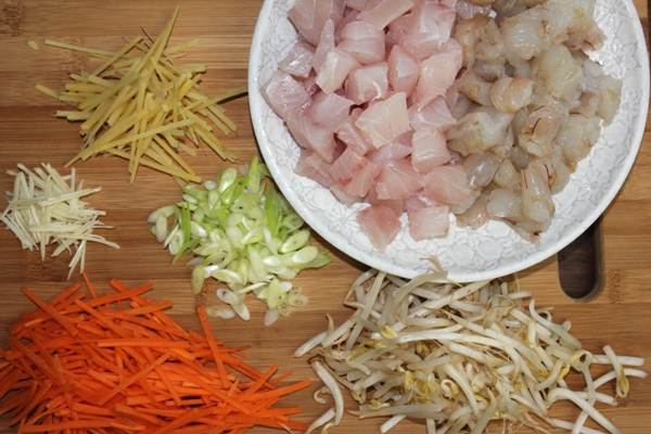 seafood-san-choy-bow-ingredients