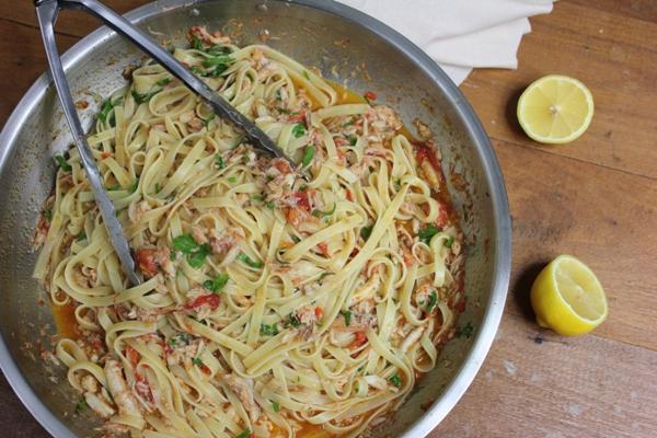 chilli-garlic-crab-linguine