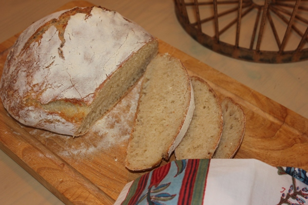 no-knead-bread-slice