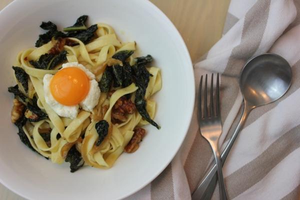 kale-onion-fettucine