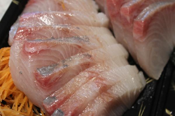 kingfish-sashimi