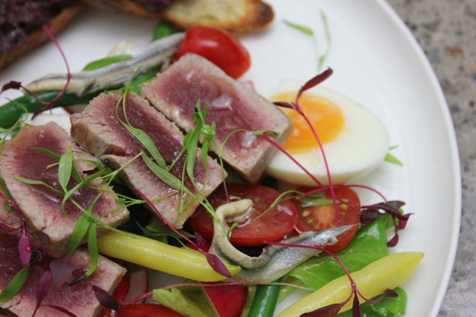 seared-tuna-saald